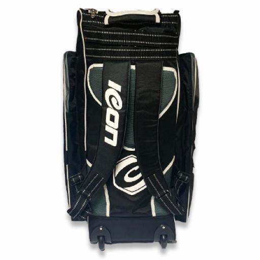 Junior Duffle bag 2.jpg