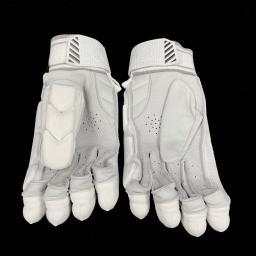 Players Gloves 3.jpg